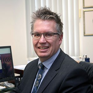 Dr Graeme Edwards